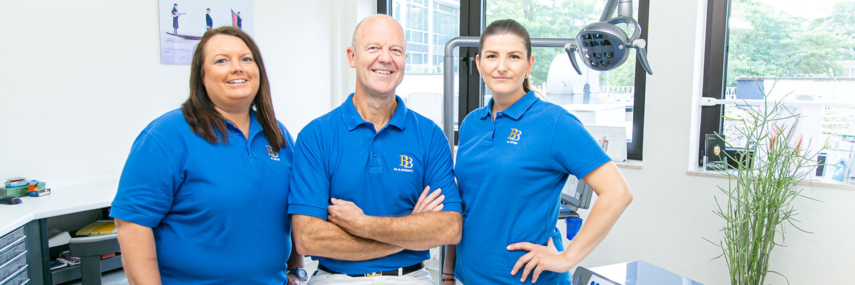 Zahnarzt Köln Innenstadt - Dr. Bongartz - unser Team in einem unserer Behandlungszimmer